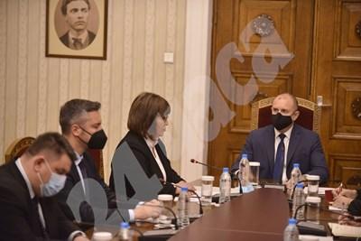 БСП на консултации при президента СНИМКИ: Йордан Симеонов СНИМКА: 24 часа