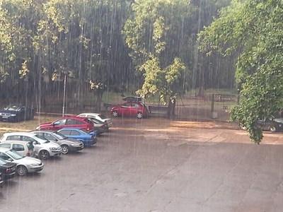 Летният дъжд донесе прохлада в Пловдив.