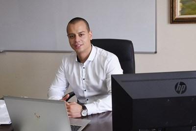 Зам.-кметът по дигитализация Генчо Керезов