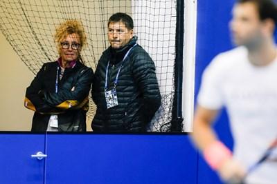 Родителите на Григор Димитров Мария и Димитър гледат тренировката му в Лондон. Снимка: Любомир Асенов/LAP.BG