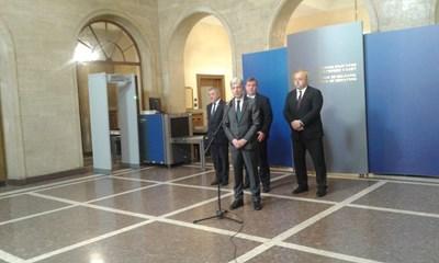 Новината за  приемането на двете точки съобщи екоминистърът Нено Димов Снимка: Марияна Бойкова