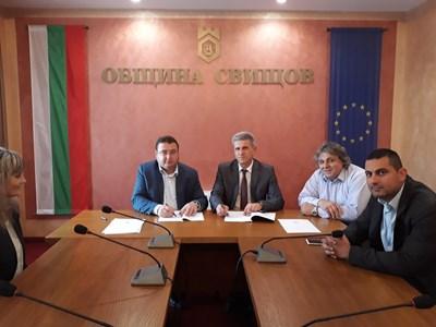 Кметът на Свищов Генчо Генчев и ректорът на Стопанска академия доц.д-р Иван Марчевски подписаха меморандума