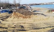 1:0 за простака с караваната: Заравнената дюна е само увредена и дори не е в имота му