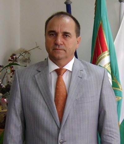Николай Тонев предпочете да довърши петия си мандат като кмет на община Гълъбово, вместо да стане депутат от ДПС, за какъвто беше избран.  СНИМКА: Архив