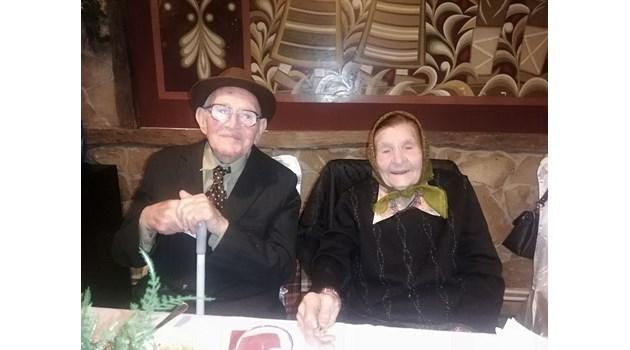 Мъж и жена, кръстени в един купел, доживяха до 100
