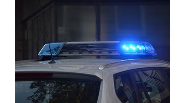 Арестуваха бургазлийка, крадяла пари от кутия за дарения