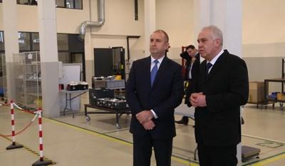Президентът посети една от големите технологични компании у нас.