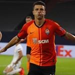 """Жуниор Мораеш се радва на гола си във вратата на """"Базел""""."""