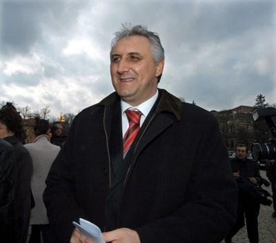 Мехмед Дикме - милионерът от фотоволтаици, се връща в политиката и от честолюбие