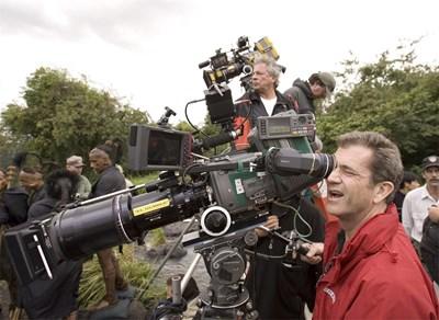 """Мел Гибсън е продуцент на лентата по разказ на Едгар Алан По - """"Илайза Грейвз"""", който в момента се снима в """"Бояна"""". Когато дойде, ще може да нагледа и как върви този филм. СНИМКА: РОЙТЕРС"""