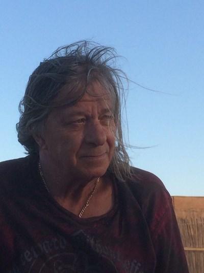 Александър Петров е автор на много от най-известните български рок песни.
