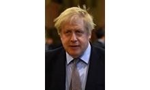 Англия извива ръцете на ЕС, готви се за визи и мита от 2021 г.