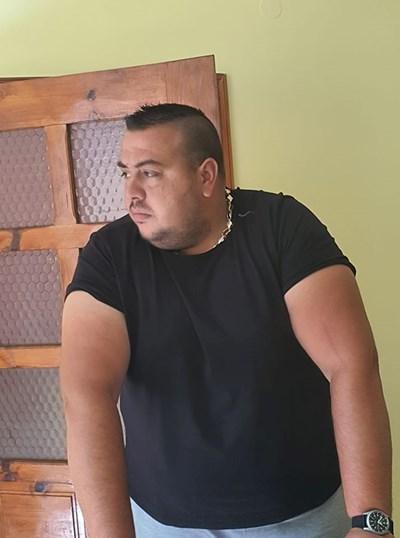 Сергей (Михаил) харчил парите за удоволствия и лукс.