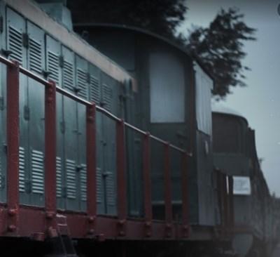 Откараха в изолиран вагон железничарите, контактували с варненеца