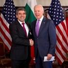 Президентът Плевнелиев с новия стопанин на Белия дом по време на неформалната им среща в Мюнхен, където и двамата са лектори на най-престижния световен форум за сигурност и отбрана.