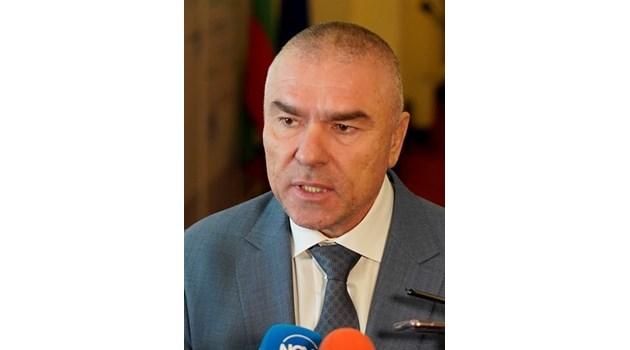 Марешки: Няма да бягам, ще се защитавам тук, в България