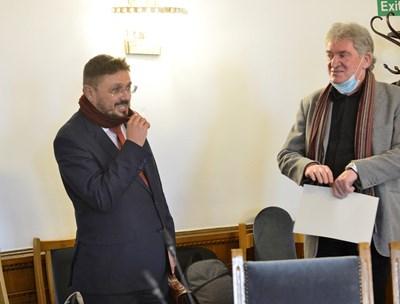 Кирил Вълчев (вляво) и Ивайло Данаилов са кандидатите за шеф на БТА. СНИМКА: Йордан Симeонов