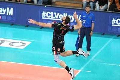 Соколов и съотборниците му ще опитат да спечелят за втора поред година титлата в Италия.