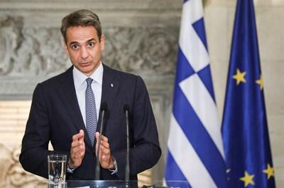 Премиерът Кириакос Мицотакис призова по-възрастните граждани да се ваксинират срещу коронавируса в рамките на правителствената ваксинационна кампания. СНИМКА: РОЙТЕРС
