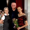 Доц. Никифорова и семейство Пардю на един от спектаклите на финала на академията.