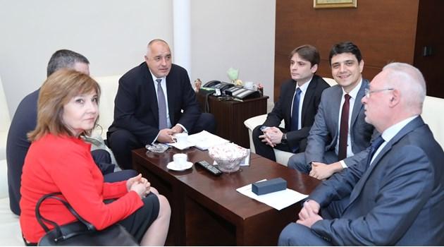 Борисов обсъжда с представители от бизнеса  проблемите с касовите апарати (Снимки)