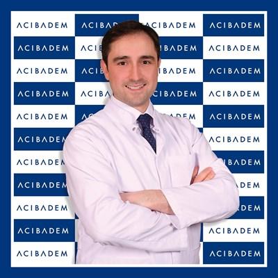 проф. д-р Салих Марангоз, хирург ортопед в ACIBADEM.