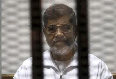 Задържаният Мохамед Морси СНИМКА: Ройтерс