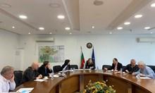 Маските стават задължителни на мачове и концерти в Пловдивско