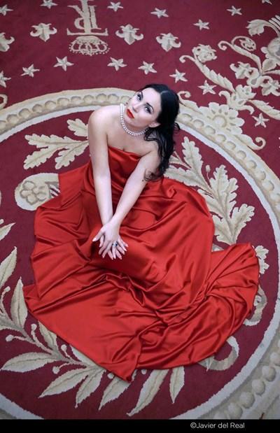 Соня Йончева пред обектива на известен фотограф