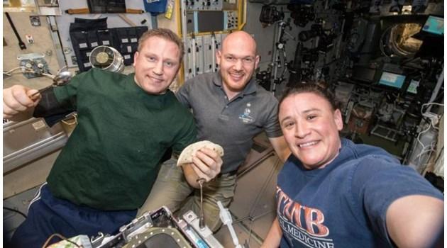 Заклещени в Космоса - вижте астронавтите, които не могат да се върнат на Земята