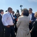 Борисов с кмета на Бургас Димитър Николов и депутати от ГЕРБ. Снимка:Авторът