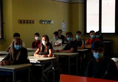Италия отново отваря училищата: огромно организационно усилие, а и здравен риск СНИМКА: РОЙТЕРС