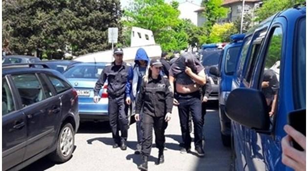 Изправят на съд двама, похитили и заплашили с убийство ученик от Бургас