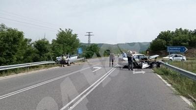 """Почина единият от пострадалите при катастрофата на пътя за ГКПП """"Маказа"""" СНИМКА: Ненко Станев"""