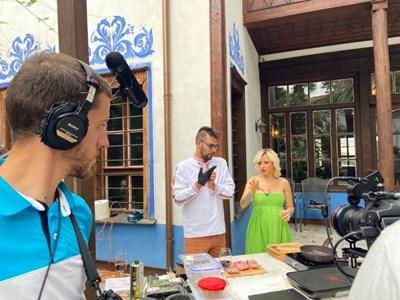 Поли Генова обикаля ресторантите в Пловдив да търси интересни рецепти.