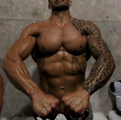 Много мъже разказват, че мускулите им са само от тренировки. СНИМКА: РОЙТЕРС