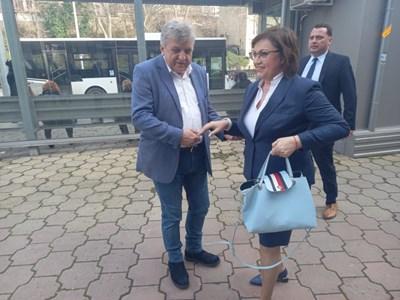 Корнелия Нинова с водача на листата на БСП в Пловдив-област Манол Генов.