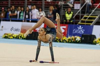 Цветелина Стоянова по време на съчетание от световната купа по художествена гимнастика в София в края на май. СНИМКА: LAP.BG