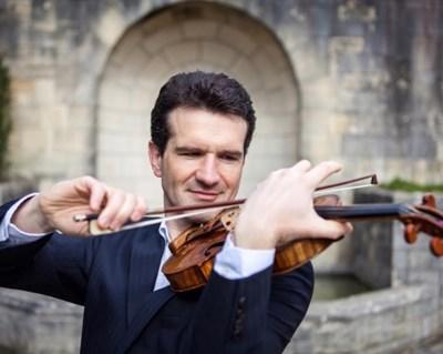 Виртуозният цигулар Светлин Русев СНИМКИ: Софийска филхармония