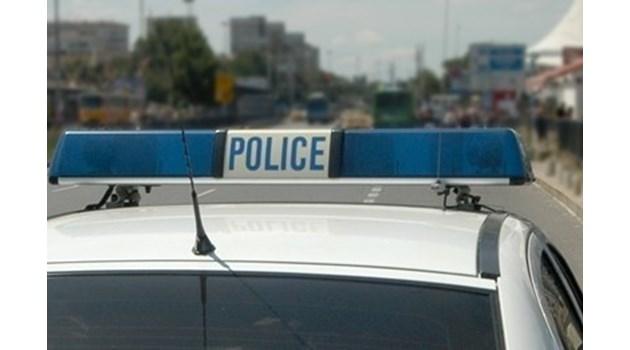 32-годишен преби жена в ски гардероб в Мальовица, нападна и полицай