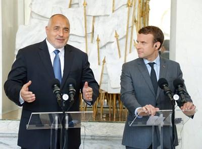 Бойко Борисов и Еманюел Макрон се засипаха с взаимни комплименти при първата си среща в Париж през юни. И тогава обаче темата за социалния дъмпинг е била повдигната от френския президент.