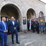 Бившият втори в ГЕРБ Цветан Цветанов не изневери на традицията да чества Деня на Независимостта в старата столица. Снимки Авторката