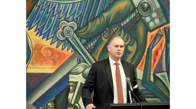 Кадиев: Аз пратих SMS на Борисов и спасихме данъчна от уволнение