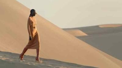 """Заради пандемията модният гигант """"Ив Сен Лоран"""" представи колекцията си в пустинята вместо на бляскав подиум в Париж. СНИМКА: Инстаграм"""