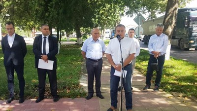 Председателят на АПИ инж. Глосов откри реновирания участък от пътя Варна-Добрич Снимка: АПИ