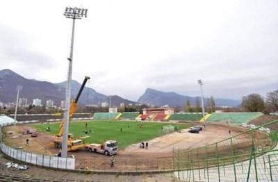 """Правителството на Бойко Борисов обнови изцяло стадион """"Христо Ботев"""" във Враца."""
