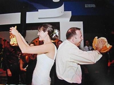 Калин и Алина се ожениха през септември 2011 г. в САЩ по българските обичаи. Снимка АВТОРЪТ И ЛИЧЕН АРХИВ