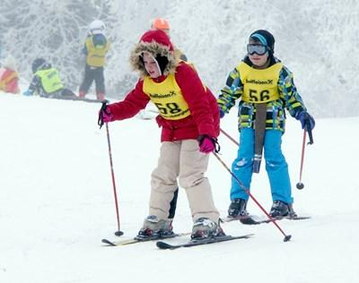 Децата в София обикновено получават първите си уроци по ски на Витоша. СНИМКА: Дeсислава Кулeлиeва