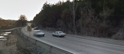 Катастрофа е станала в района на пътя Търговище - Омуртаг, край село Пролаз Снимка: Гугъл стрийт вю