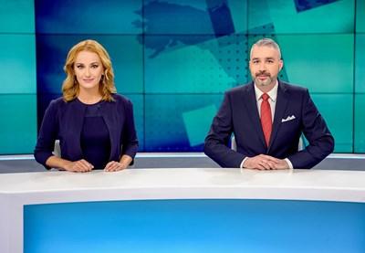 """Марина Матева и Даниел Михайлов са една от двойките, които водят централната емисия """"По света и у нас"""". СНИМКА: БНТ"""